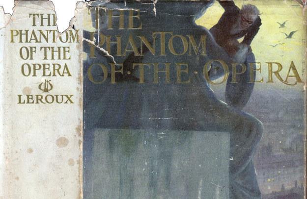 Gaston Leroux - Fantom opery. Jedno ze čtyř prvních vydání lze koupit u Babylon Revisited Rare Books za 25 000 dolarů.
