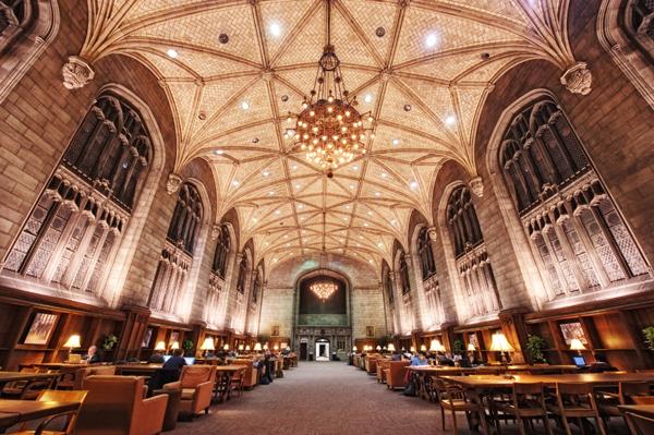 Studovna univerzity Chicago v Chicagu.