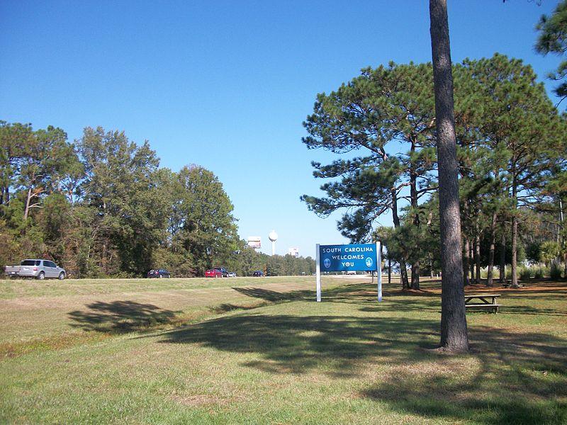 Greenbow - Forrest Gump. Údajný Greenbow v Alabamě je ve skutečnosti město Varnville nacházející se v Jižní Karolině. Právě zde byl natáčen tento kultovní film.