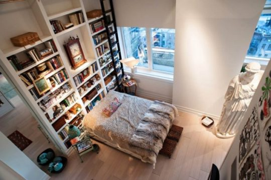 Home-library-ideas-Eclectic-bedroom-and-library-540x359